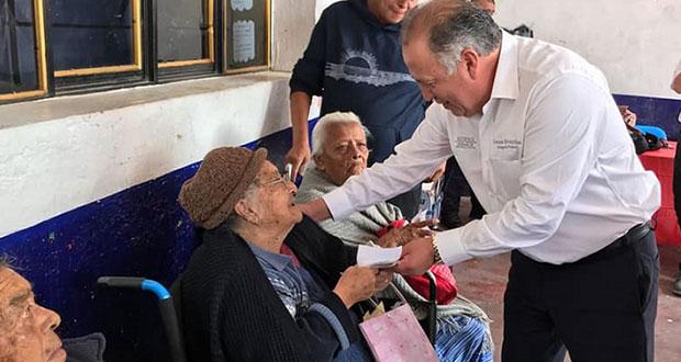 Supervisan pago de pensión a adultos mayores