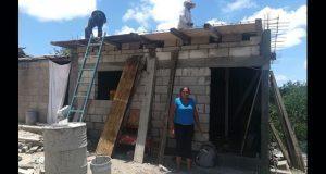 Casas dignas gestionadas por Antorcha en Chiautla avanzan al 65%