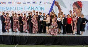 DIF municipal celebra a adultos mayores con festival de danzón