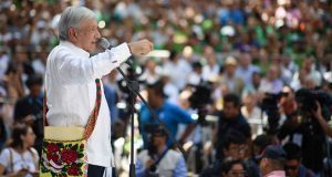 AMLO advierte que no cumpliría demandas por bancarrota del país