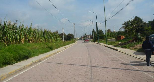 Amplían red eléctrica y pavimentan calles en San Pedro Cholula