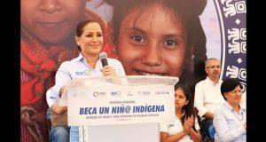 En 7 regiones de Puebla, DIF apoya estudios de 4,500 niños indígenas