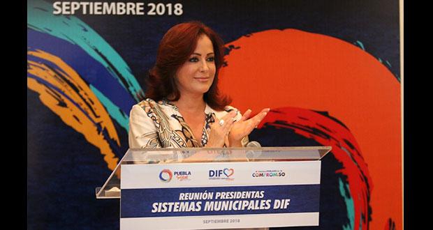 Dinorah reconoce a presidentas y directores de DIF municipales
