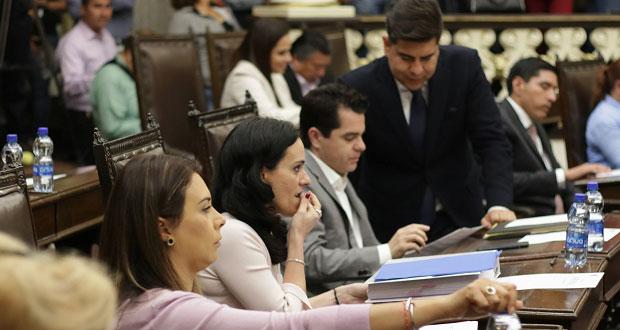 """PAN busca bajar 50% sueldo de diputados, pero mantener """"apoyos""""legislativos"""