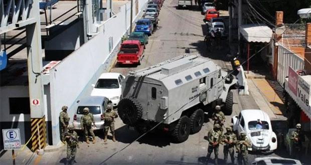Fuerzas federales toman SSP de Acapulco y detienen a titular