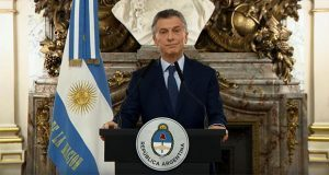 Por crisis económica, Argentina aplicará impuestos a exportaciones