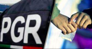 """Aseguran armas y droga en cateo de """"narcotiendita"""" en Puebla"""