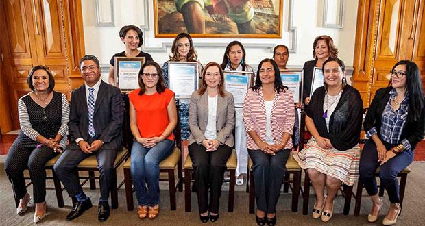 Ayuntamiento de Puebla entrega reconocimientos a emprendedoras