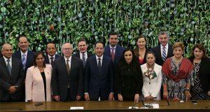 Gali va al tercer informe de labores de gobernador de Querétaro