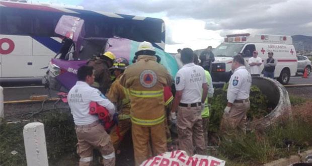 Un muerto y dos heridos, saldo de accidente en la Puebla-Atlixco