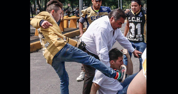 """UNAM expulsa a 2 """"porros"""" más por ataque en CU"""