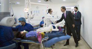 Alfonso Esparza entrega remodelación de clínicas de EstomatologíaAlfonso Esparza entrega remodelación de clínicas de Estomatología