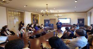 Banck imparte seminario de desarrollo en Universidad de Georgetown
