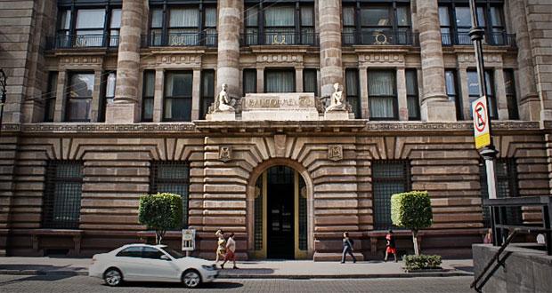 Funcionarios de Banxico adelantan su retiro por recorte en salarios