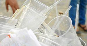 Para 2020, Francia prohíbe objetos de plástico no reciclables