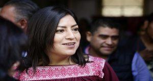 Claudia Rivera defiende viaje a EU, no es turismo político; presenta agenda