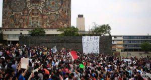 """Pedirán aprehensión de 13 """"porros"""" por ataque en UNAM y procesan a 3"""