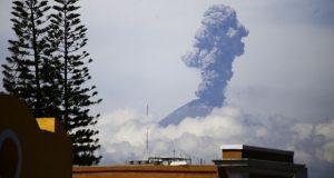 En menos de 12 horas, Popocatépetl registra 8 explosiones: PC