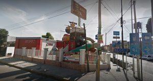 Comando asalta a personal y comensales del KFC de la 25 Poniente
