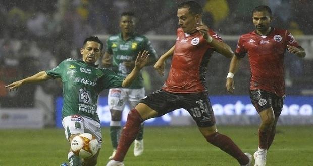 Entre lluvia, Lobos BUAP al fin gana de visita; vence 1-0 a León