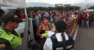 HRW pide a gobiernos de América Latina responder a éxodo venezolano