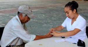 En Huitzilan, mil personas acuden a jornada de detección de diabetes
