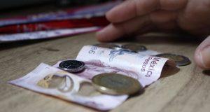 Coneval avala propuesta de AMLO para subir salario mínimo a $171