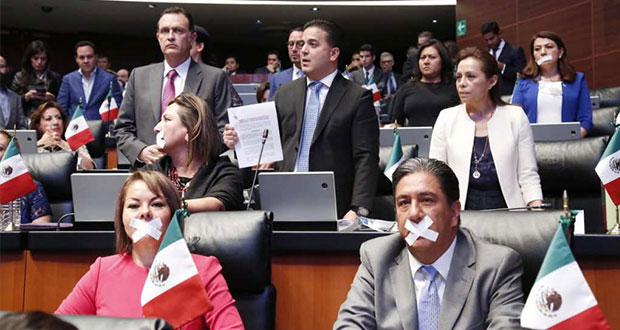 """PAN y PRI abandonan Senado en protesta por """"mordaza"""" de Morena"""