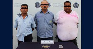 Por extorción y cohecho, detienen a tres hombres en Puebla capital