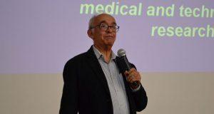 Revelan nueva vacuna contra el dengue en simposio de la BUAP