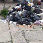 En Cuautlancingo no recolectan basura porque Casiano deja camiones inservibles