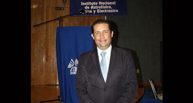En Inaoe, experto habla sobre seguridad ante amenazas digitales
