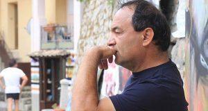 Arrestan a presidente municipal italiano por acoger a refugiados