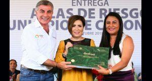 Gali y Sedatu entregan Atlas de Riesgos a Comuna de Coronango