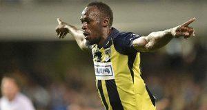 Usain Bolt anota sus primeros 2 goles como futbolista profesional