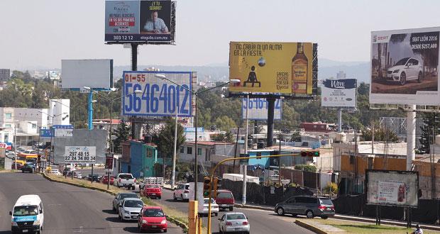 Congreso de Puebla devuelve a municipios control de espectaculares