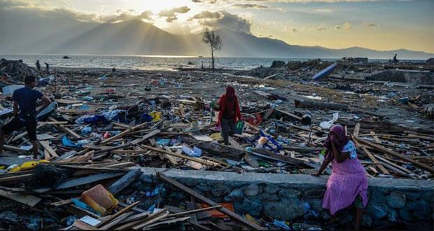 Aumenta a mil 571 cifra de muertos por sismo y tsunami en Indonesia