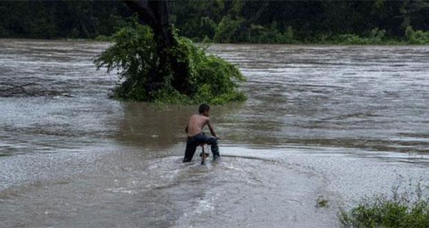 Desbordamiento de río en Nicaragua causa evacuación de 800 personas