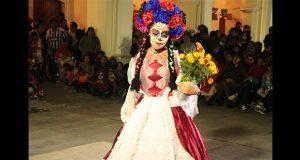 Festejan Día de Muertos con evento cultural en Tepexi de Rodríguez