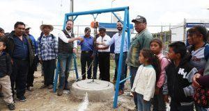 Banck entrega a vecinos drenaje sanitario en San Andrés Azumiatla