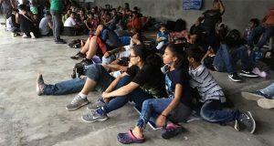 Trump no dejará pasar a migrantes hondureños