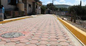 Con inversión de 300 mil pesos pavimentan privada en Chalchihuapan