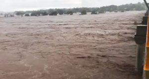 Huracán Willa desborda ríos en Nayarit y Sinaloa