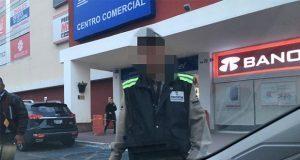 Sujetos armados roban celulares del Telcel en plaza San Diego