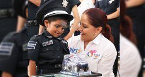 En HNP, pacientes con cáncer se convierten en policías por un día
