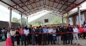 "Inauguran techado en primaria ""Benito Juárez"" de Techachalco"