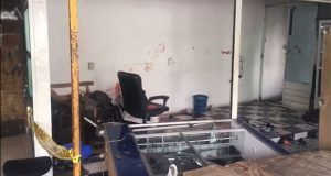"""Sujetos golpean a vendedor de celulares en mercado """"Unión"""" de Puebla"""