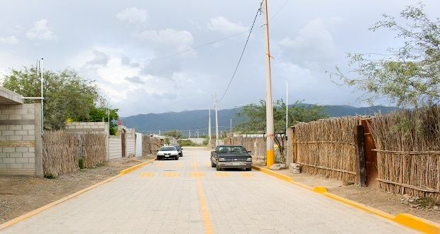 Antorcha gestiona adoquinamiento de calle en Zinacatepec
