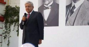 AMLO revira a Monreal, no habrá modificaciones a leyes de bancos