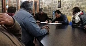 Comunidades de Zacatlán entregan pliego petitorio a ayuntamiento